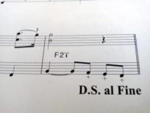 「+」 と書かれている場合の弾き方 (動画)
