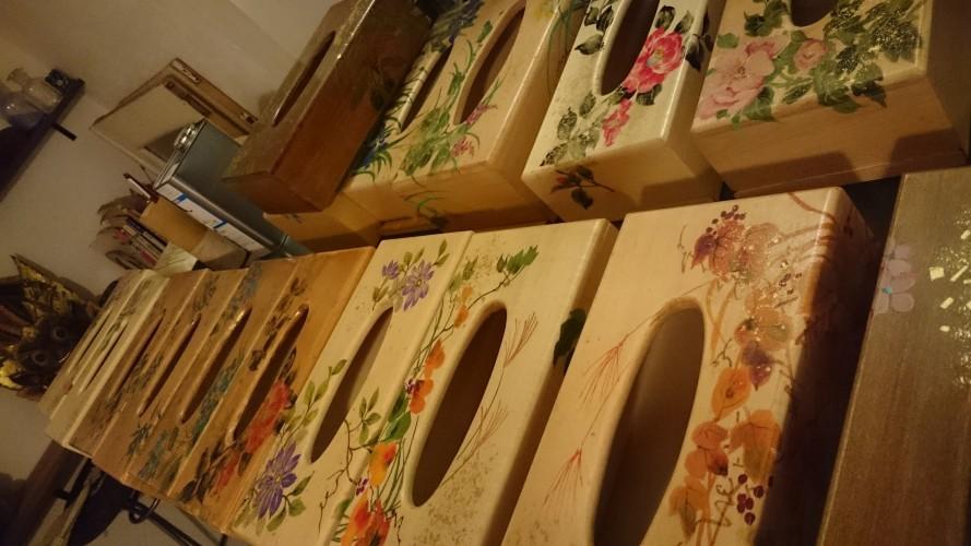 木製ティッシュボックス制作中。