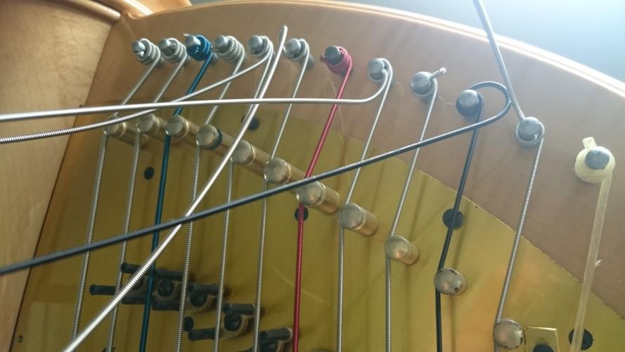スチール弦を張り替える