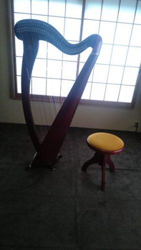 アイリッシュハープの椅子が届く